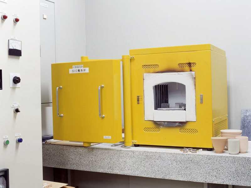 双推板全自动回转隧道式电阻炉1400℃